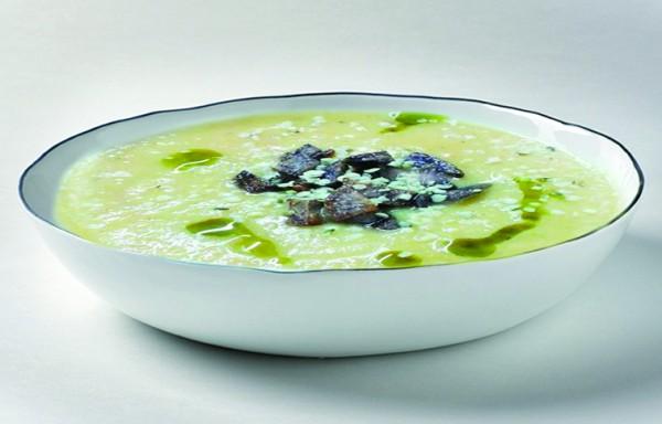 topinambur-suppe-mit-lila-kartoffelcroutons-hanfoel-und-hanfsamen-rezept